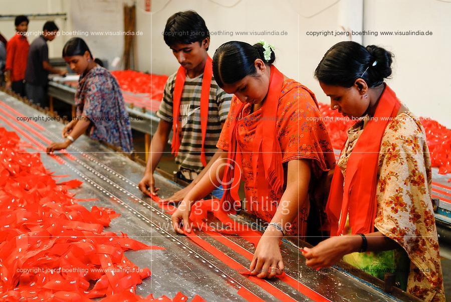 BANGLADESH , textile industry in Dhaka , company Beximco produce textiles for export for western discounter / BANGLADESCH, Textilbetrieb Beximco Ltd. in Dhaka produziert Textilien nach Sozialstandards der ILO fuer den Export fuer westliche Textildiscounter
