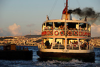 TURKEY Istanbul Karaköy, ferry boat Kalamis heading from european to asian part of Istanbul / TUERKEI Istanbul, Faehre Kalamis am Bosporus