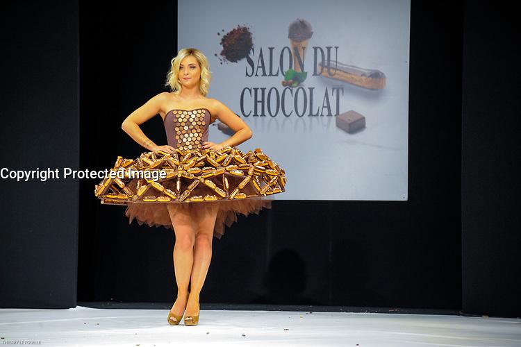 Priscilla Betti portant la robe de Isadora Delarose et Christophe Adam au Salon du Chocolat coiffure Franck Provost maquillage Make Up For Ever Paris 2017 - SALON DU CHOCOLAT 2017, 27/10/2017, PARIS, FRANCE