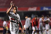 SÃO PAULO, SP, 21 DE AGOSTO DE 2012 - COPA SULAMERICANA - SÃO PAULO x BAHIA: Lucas durante partida São Paulo x Bahia, válida pela primeira fase da Copa Sulamericana no Estádio do Morumbi. FOTO: LEVI BIANCO - BRAZIL PHOTO PRESS