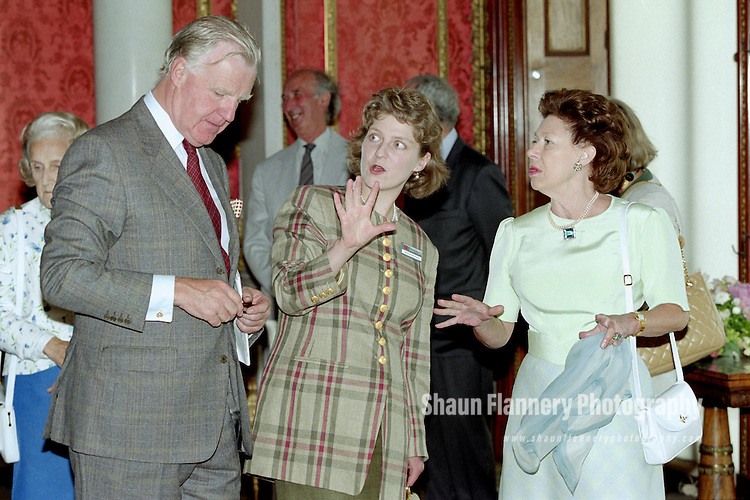 Pix: Shaun Flannery/shaunflanneryphotography.com...COPYRIGHT PICTURE>>SHAUN FLANNERY>01302-570814>>07778315553>>..5th July 1995..HRH Princess Margaret officially opens Brodsworth Hall nr. Doncaster<br /> Caroline Whitworth (centre) English Heritage.
