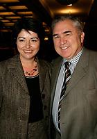 Ministre de la culture Lyne Beauchamps et son mari Pierre Bibeau<br /> Premiere MAURICE RICHARD, PLace des Arts<br /> Photo : (c) 2005 Pierre Roussel / Images Distribution