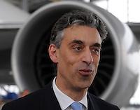 Pressekonferenz und Eröffnungszeremonie der Zusammenarbeit von DHL und Lufthansa Cargo als AeroLogic - Luftfracht Air Cargo Post - mit 8 Boeing 777 (B777F) wird begonnen -  im Bild: Frank Appel ( DHL Deutsche Post) Porträt . Foto: Norman Rembarz..