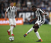 Calcio, Serie A: Juventus - Napoli, Torino, Allianz Stadium, 22 aprile, 2018.<br /> Juventus' Blaise Matuidi in action during the Italian Serie A football match between Juventus and Napoli at Torino's Allianz stadium, April 22, 2018.<br /> UPDATE IMAGES PRESS/Isabella Bonotto