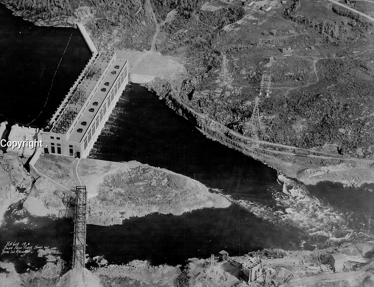 Isle Maligne Development; Saguenay River; Quebec. 495;000 horse power. Duke Price Power Company<br /> <br /> <br /> [unknown]<br /> Picture, 1932<br /> <br /> PHOTO : Toronto Star Archives - AQP