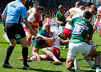 24th April 2021; Brentford Community Stadium, London, England; Gallagher Premiership Rugby, London Irish versus Harlequins; Matt Rogerson of London Irish tussles with Matt Symons of Harlequins