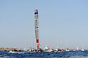 Louis Vuitton Trophy La Maddalena 6 giugno 2010. Emirates Team New Zealand ha vinto. Ritorna a terra circondata da barche e gommoni