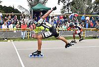 BOGOTA - COLOMBIA - 28-01-2017: Andres Jimenez, patinador de la  Universidad de Cartagena de Bolivar compite en la prueba 100 metros, Mayores Varones, en la IV Valida Nacional Interclubes de Carreras 2017 en el Patinodromo El Salitre de la ciudad de Bogota. /  Andres Jimenez, skater of Universidad de Cartagena of Bolivar competes in the 100 Meters test, as part of the IV Interclubs National Valid of Speed Race 2017 at El Salitre Patinodromo in Bogota city Photo: VizzorImage / Luis Ramirez / Staff.