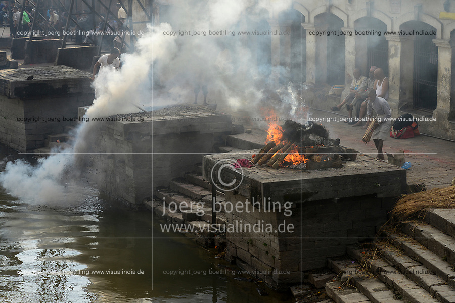NEPAL Kathmandu, Pashupatinath Hindu Temple, cremation ghat at river