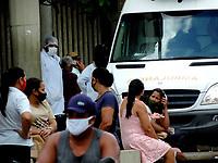 Recife (PE), 19/03/2021 - Quarentena-Recife - Movimentação na UPA Torrões na avenida  Eng. Abdias de Carvalho em Recife, nesta sexta-feira. Até o dia 28, apenas os serviços essenciais estarão autorizados para funcionar em todo o estado. O objetivo é conter a disseminação do coronavírus e a alta taxa de ocupação dos leitos de UTI, que está acima dos 95% em Pernambuco.
