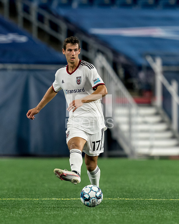 FOXBOROUGH, MA - SEPTEMBER 09: Jonathan Ricketts #17 of Chattanooga Red Wolves SC passes the ball during a game between Chattanooga Red Wolves SC and New England Revolution II at Gillette Stadium on September 09, 2020 in Foxborough, Massachusetts.