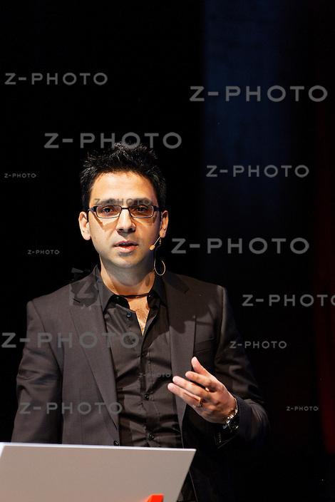 Ashkan Nikeghbali / Professor of Mathematics University of Zurich am <br />Zurich Minds im Kaufleuten Zuerich am Mittwoch 12. Dezember 2012<br /><br />Copyright © Zvonimir Pisonic