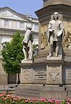 Italien, Lombardei, Mailand: Piazza della Scala - Platz vor der Mailaender Scala (Teatro alla Scala) | Italy, Milan: Piazza della Scala - square in front of opera Teatro alla Scala di Milano