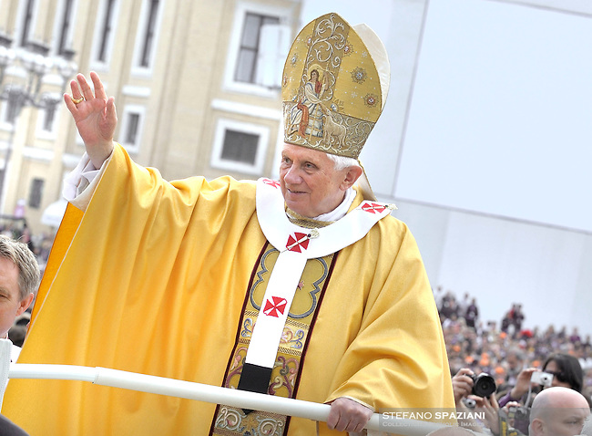 Pope Benedict XVI waves during a canonization mass in St. Peter's square, Vatican, 17 October 2010. The pope formally recognized Australia's first saint, Sister Mary MacKillop, who is revered as a pioneer of education in Outback Australia and the founder of the Sisters of St Joseph of the Sacred Heart. She was canonised along with Stanislaw Soltys of Poland, Andre Bessette of Canada, Candida Maria de Jesus Cipitria y Barriola of Spain, and Italians Giulia Salzano and Battista da Varano.