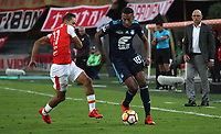 BOGOTÁ -COLOMBIA, 1-03-2018:Anderson Plata (Izq.) de Independiente Santa Fe  de Colombia disputa el balón con Ayrton Preciado (Der.) de  Emelec de Ecuador  durante partido por La Copa Conmebol Libertadores 2018 , grupo D  , fecha 1,jugado en el estadio Nemesio Camacho El Campín de la ciudad de Bogotá./ Anderson Plata (L) player of Independiente Santa Fe of Colombia disputes the ball with Ayrton Preciado (R) player of Emelec of Ecuador during match  by the Conmebol Libertadores Cup 2018, group D, date 1 , played in Nemesio Camacho El Campín stadium of the Bogota  city. Photo: VizzorImage/ Felipe Caicedo / Staff