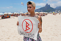 RIO DE AJNEIRO RJ,18.01.2014- PROTESTO DAS BASTARDXS EM IPANEMA- Ex integrante do Femen Sarah Winter faz protesto com as Bastardxs, nome do seu novo grupo no posto nove da praia de Ipamena na Zona Sul do Rio. O protesto é contra o machismo. (Foto: Sandrovox /  Brazil Photo Press).