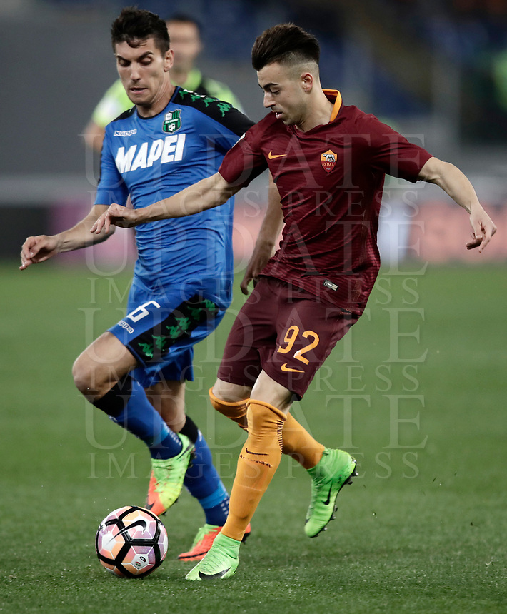 Calcio, Serie A: Roma, stadio Olimpico, 19 marzo, 2017<br /> Roma's Stephan El Shaarawy (r) in action with Sassuolo's Lorenzo Pellegrini (l) during the Italian Serie A football match between Roma and Sassuolo at Rome's Olympic stadium, March 19, 2017<br /> UPDATE IMAGES PRESS/Isabella Bonotto