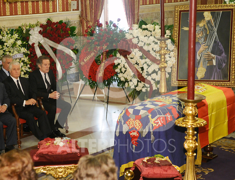 Obit The Duchess of Alba in Sevilla, Spain. In the pic: Carlos María Fitz-James Stuart y Palafox, left, and Alfonso Díez Carabantes. They are the soon and husband of The Duchess of Alba. November 20, 2014. (ALTERPHOTOS/BOUZA PRESS/Raul Castro)
