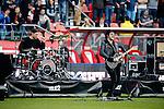 Nederland, Utrecht, 5 april 2015<br /> Eredivisie<br /> Seizoen 2014-2015<br /> FC Utrecht-Ajax (1-1)<br /> Optreden van de Utrechtse band Kensington in de rust van de wedstrijd