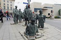 """""""Gestalten aus dem Untergrund"""" an der Ul.Swidnicka in Wroclaw (Breslau), Woiwodschaft Niederschlesien (Województwo dolnośląskie), Polen, Europa<br /> """"Figures from the Underground""""  in Wroclaw, Poland, Europe"""