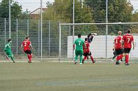 Alichan Simbargov (SG DJK Eintracht Ruesselsheim, l.) erzielt das 0:1 - 06.09.2020: Spiel der Woche - TSG Worfelden vs. SG DJK Eintracht Rüsselsheim, B-Liga