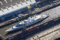 """Yas bei Blohm und Voss : EUROPA, DEUTSCHLAND, HAMBURG, (EUROPE, GERMANY), 27.03.2017: Die 141 Meter lange und 15 Meter breite """"Yas"""" von Scheich Hamdan bin Zayed Al Nahyan aus Abu Dhabi liegt derzeit im Trockedock von Blohm +Voss. Der spektakulaere SMM-Gast ist 2011 von der Werft ADM Shipyards in Abu Dhabi zur Luxusyacht umgebaut worden. Der Stahlrumpf wurde vollstaendig entkernt, die Aufbauten entstanden aus Komposit und mehr als 500 Glasscheiben."""