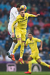 Samuel Castillejo Azuaga, Samu Castillejo (R), of Villarreal CF fights for the ball with Carlos Henrique Casemiro of Real Madrid during the La Liga 2017-18 match between Real Madrid and Villarreal CF at Santiago Bernabeu Stadium on January 13 2018 in Madrid, Spain. Photo by Diego Gonzalez / Power Sport Images