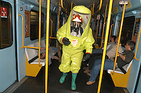 - exercise of National Fire Department and Civic Protection in the Milan subway in case of or nuclear, bacteriological or chemical accident or attack....- esercitazione di Vigili del Fuoco e Protezione Civile nella metropolitana milanese in caso di incidente o attentato nucleare, batteriologico o chimico