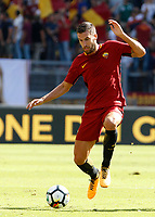 Calcio, Serie A: Roma vs Udinese. Roma, stadio Olimpico, 23 settembre 2017.<br /> Roma's Kevin Strootman in action during the Italian Serie A football match between Roma and Udinese at Rome's Olympic stadium, 23 September 2017. Roma won 3-1.<br /> UPDATE IMAGES PRESS/Riccardo De Luca