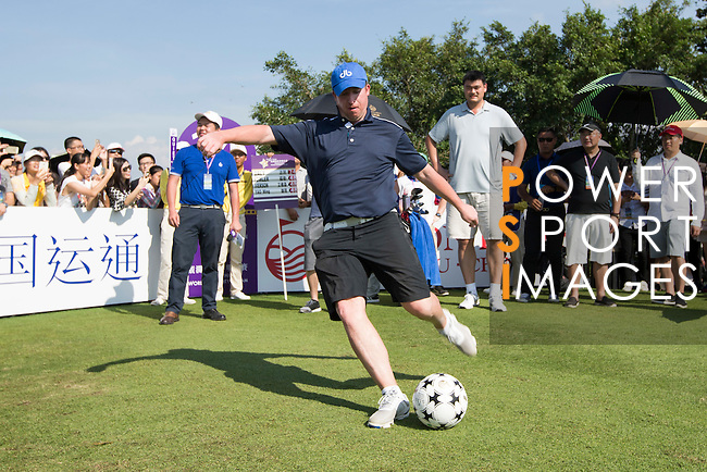 Robbie Fowler kicks a football at the 14th hole during the World Celebrity Pro-Am 2016 Mission Hills China Golf Tournament on 22 October 2016, in Haikou, China. Photo by Victor Fraile / Power Sport Images