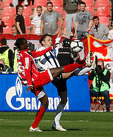 Fudbal, Jelen super liga, sezona 2010/11.Derby, Derbi.Crvena Zvezda Vs. Partizan.Sasa Ilic and Awal Issah.Belgrade, 23.10.2010..foto: Srdjan Stevanovic/Starsportphoto ©