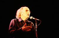 Gilles VIGNEAULT<br /> 1980/09/18<br /> Olympia PARIS<br /> Credit: Dymant/DALLE