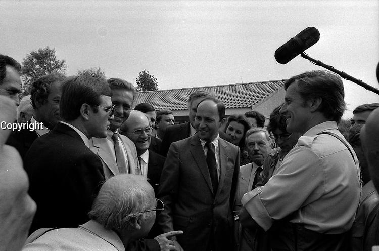 28 Août 1984. Vue de Dominique Baudis et de Laurent Fabius dans la foule.