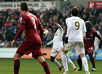 Pictured: Swansea's Nathan Dyer on the ball<br />