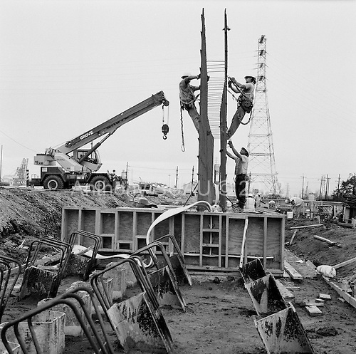 New Orleans, Louisiana..USA.February 23, 2006..Rebuilding the levee in the lower ninth ward.