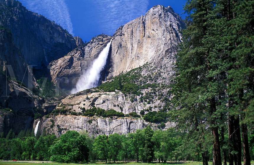 USA, California, Yosemite National Park, Upper and Lower Falls