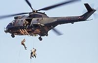 - Royal Army, Superpuma helicopter....- Royal Army, elicottero Superpuma