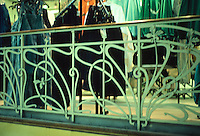 Henri Sauvage: La Samaritaine Dept. Store, Paris 1905. Railing detail. Photo '90.