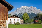 Austria, Tyrol, Biberwier: village scene and Zugspitze mountains | Oesterreich, Tirol, Biberwier: Dorfszene vorm Zugspitzmassiv