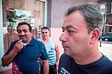 Ibrahim Ahmed, 46, aus dem bulgarischen Razgrad ist vor vier Jahren mit seiner Lebensgefährtin Edje Salijewa nach Duisburg-Hochfeld gezogen. Eine feste Stelle hat er noch nicht gefunden.