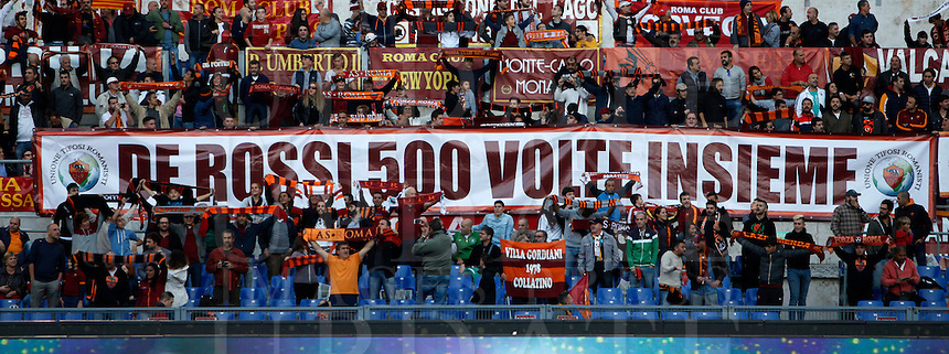 Calcio, Serie A: Roma vs Empoli. Roma, stadio Olimpico, 17 ottobre 2017.<br /> Roma fans show a banner reading 'De Rossi 500 times together', aimed to player Daniele De Rossi, prior to the start of the Italian Serie A football match between Roma and Empoli at Rome's Olympic stadium, 17 October 2015.<br /> UPDATE IMAGES PRESS/Isabella Bonotto