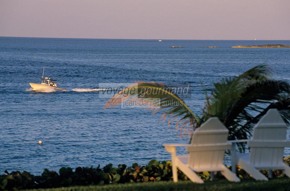 "Iles Bahamas/New Providence et Paradise Island/ Nassau: Hotel ""One & Only Océan Club"" fauteuils de jardin et océan"