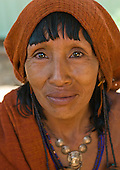Pará State, Brazil. Aldeia Ipixuna (Araweté). Traditional midwife.