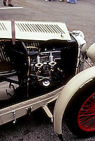 Cars: MG. Under the hood. Photo '78.