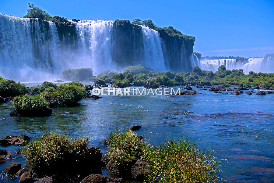 Cataratas do Iguaçu no Parque Nacional do Iguaçu. Foz do Iguaçu. Parana. 2013. Foto de Luciana Whitaker.