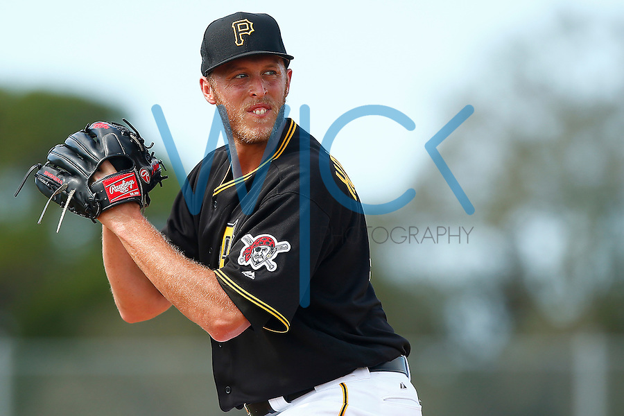 John Holdzkom #43 of the Pittsburgh Pirates work out during spring training at Pirate City in Bradenton, Florida on February 23, 2016. (Photo by Jared Wickerham / DKPS)