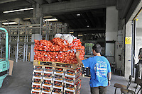 - Muggiò (Monza, Milano), magazzino della fondazione Banco Alimentare: raccoglie i viveri donati da aziende alimentari  e Comunità Europea e li redistribuisce alle organizzazioni benefiche<br /> <br /> - Muggiò (Monza, Milan), warehouse of the foundation Food Bank: collect food supplies donated by alimentary companies and the European Community and redistributes them to charitable organizations