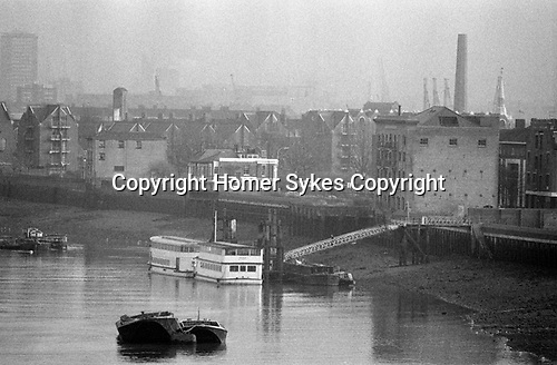 River Thames 1980s Cherry Garden Pier, Rotherhithe South East London.  1987 UK