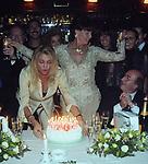 MARA VENIER, ELSA MARTINELLI, DANTE FERRETTI<br /> COMPLEANNO ELSA MARTINELLI AL JEFF BLYNN'S   ROMA 2000