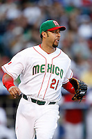 Esteban Loaiza of Mexico during the World Baseball Championships at Angel Stadium in Anaheim,California on March 16, 2006. Photo by Larry Goren/Four Seam Images